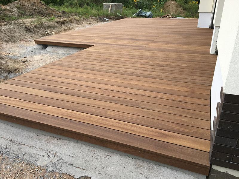 referenzen fotogalerie terrassen nishikigoi pond fachhandel f r koi teichbau und. Black Bedroom Furniture Sets. Home Design Ideas